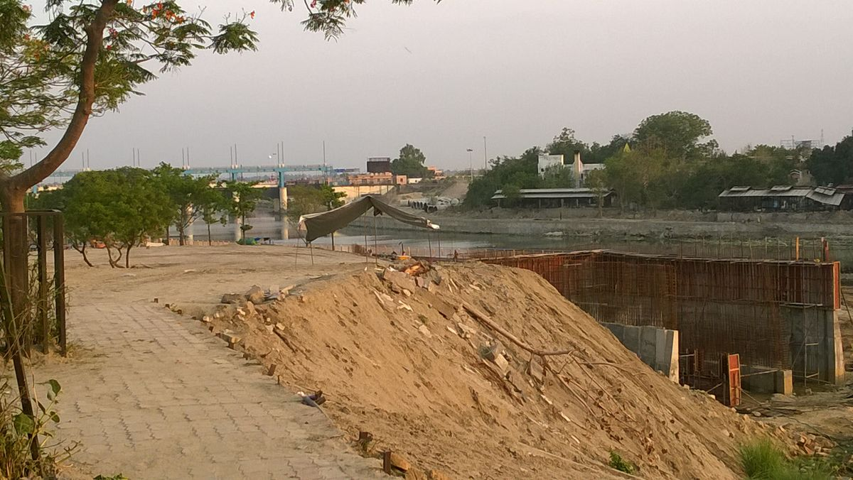 The Gomti's riverfront development project, limited to a 1.5-km stretch, from Hanuman Setu to Pucca