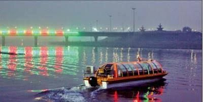 Gomti river flows thr