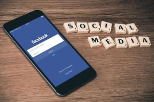 Facebook Marketing Facts, Figures and Concepts - The Game of Impressions and the grey Area of Technology
