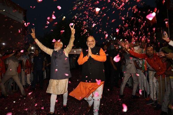 -आपातकाल की क्रान्ति से जन्म लेने वाली भारतीय जनता पार्टी (भाजपा) वर्तमान में देश की सबसे बड़ी राजनी