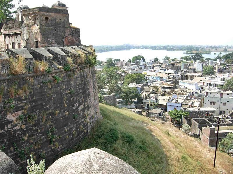 INTRODUCTION Dhar district is a district of Madhya Pradesh state in central India. The historic town