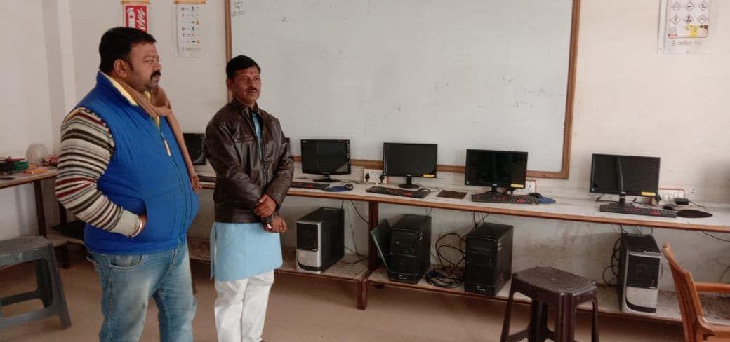 हुकुलगंज वार्ड स्थित नवज्योति ग्लोबल सोल्यूशन नि:शुल्क प्रशिक्षण केंद्र में पार्षद ने महिलाओं को दी