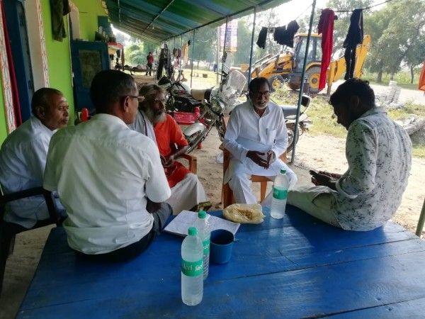 मऊ- मानिकपुर से चुनावों में खड़ी कांग्रेसी प्रत्याशी रंजना बरातीलाल को विजयी बनाने हेतु ग्राम चौपालों