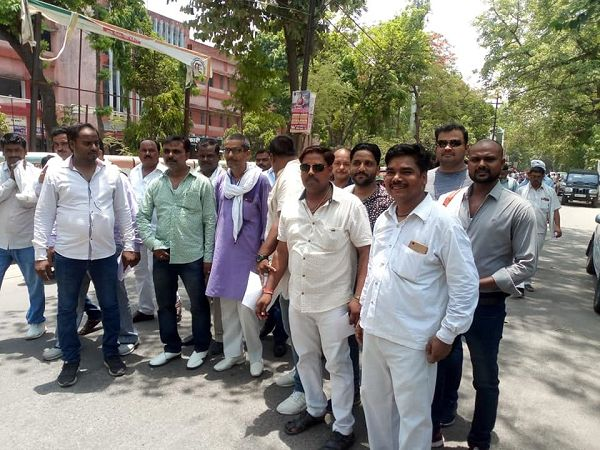 नाम : श्री बृजेश  पद : सभासद, वार्ड 17 मोतीनगर, उन्नाव,भारतीय जनता पार्टी नवप्रवर्तक कोड़ :