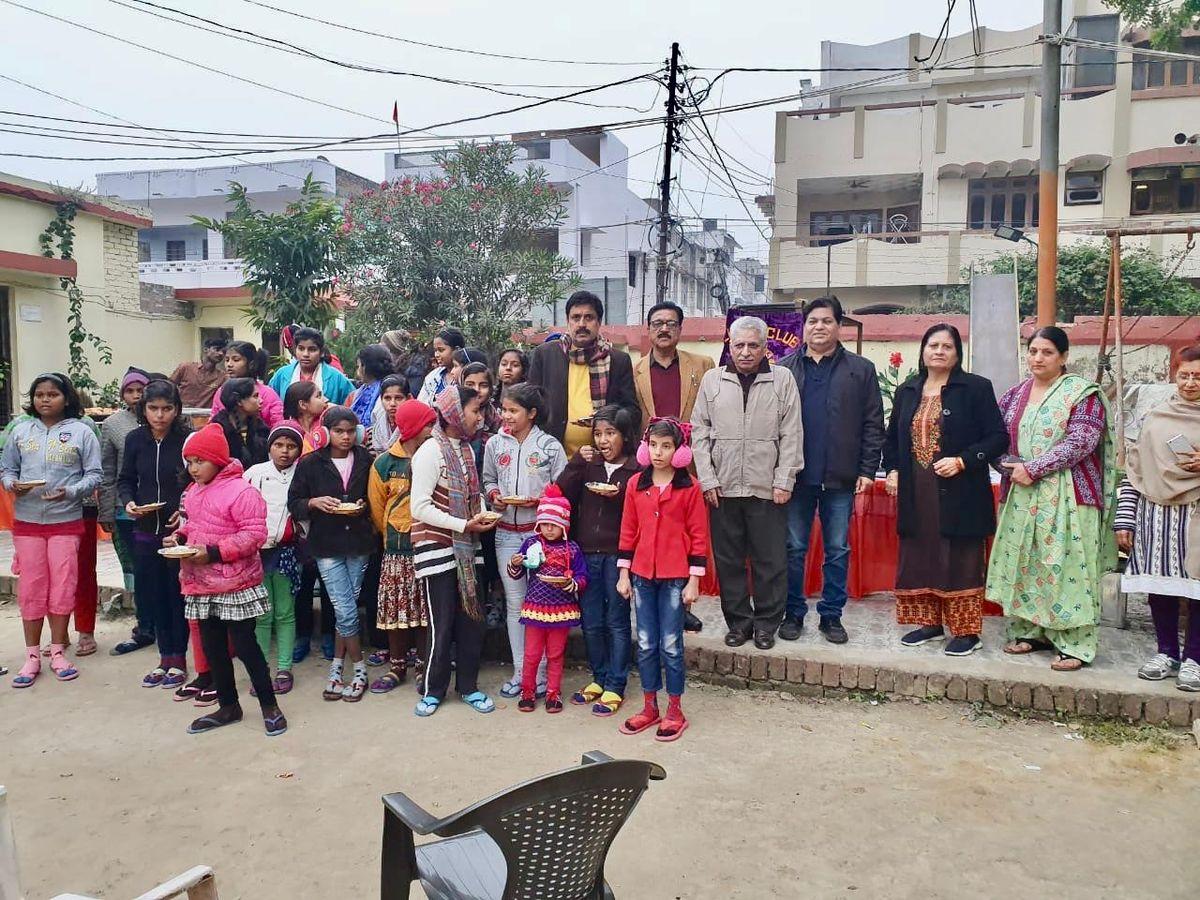 मोतीनगर स्थित लीलावती मुंशी निराश्रित बालगृह में बच्चों को कराया गया भोजन-समाज कल्याण के कार्यों को