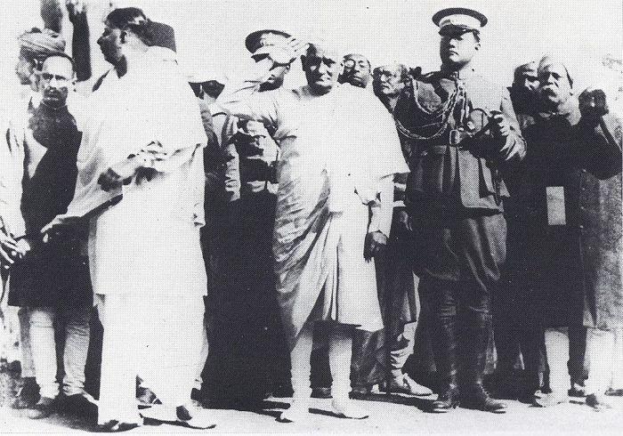 _भारतीय स्वाधीनता के लिए आजाद हिन्द फौज की स्थापना कर ब्रिटिश समाज की जड़ों को हिलाने वाले वीर क्रांत