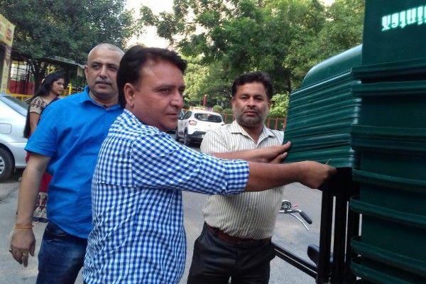नाम - संजय कुमार  पद – भाजपा पार्षद, शिप्रा सनसिटी, इंदिरापुरम वार्ड 100 नवप्रवर