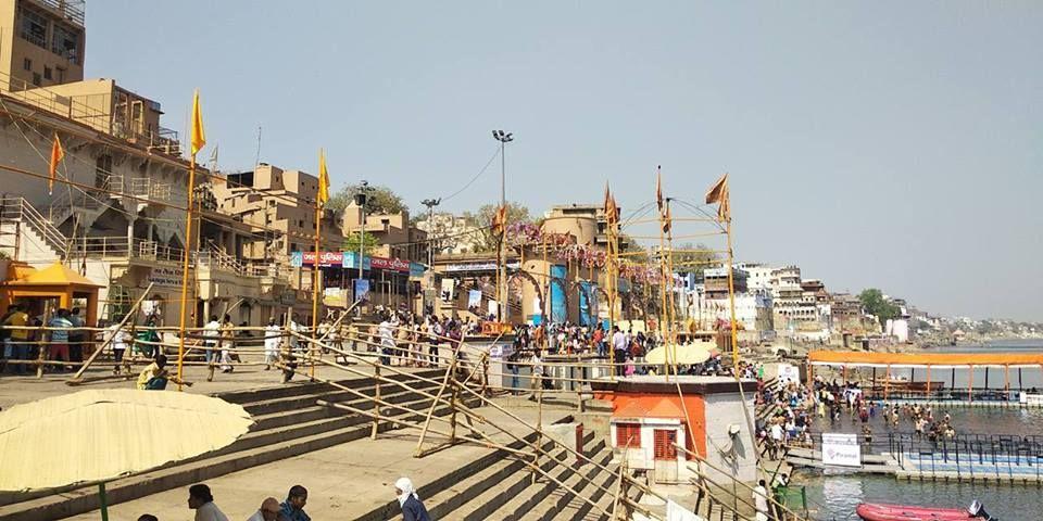 _दशाश्वमेध, जहां स्थित घाटों की मनोरम छटा देश-विदेश के पर्यटकों को लुभाती है और गंगा के साथ एक अनकहा