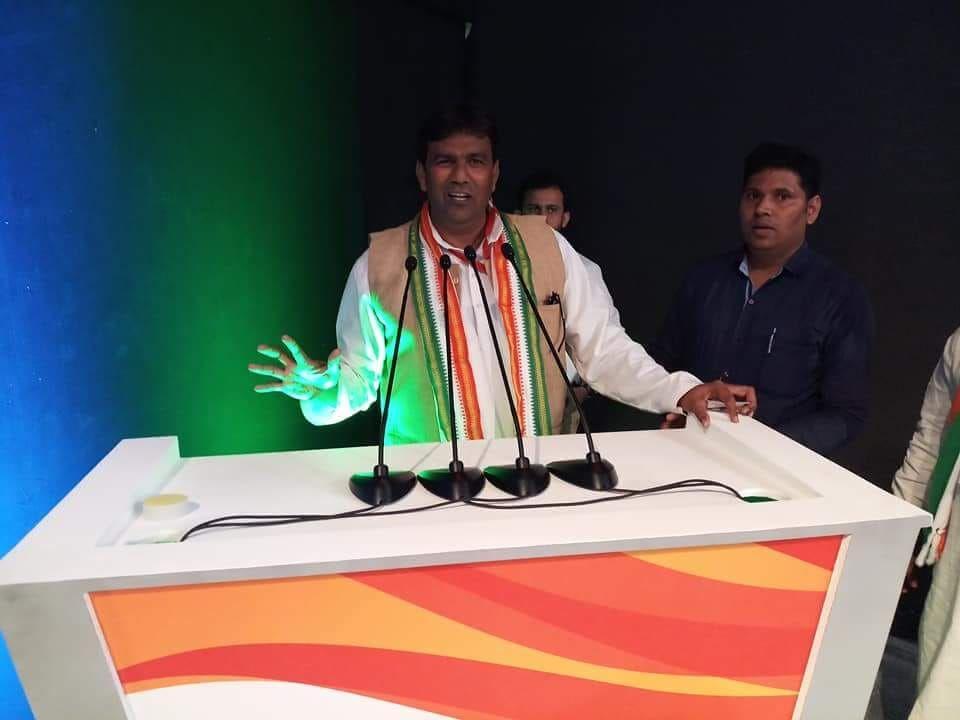 नाम : अरशी रज़ा  पद : प्रदेश अध्यक्ष, खेल प्रकोष्ठ (कांग्रेस कमेटी), लखनऊ