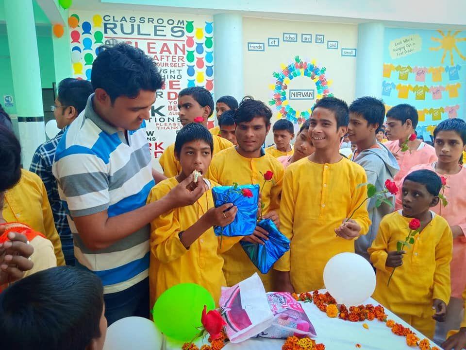 एसजी फाउंडेशन मूलतः राजाजीपुरम, लखनऊ से जुड़ी एक सामाजिक संस्था है, जो विशेष रूप से दिव्यांग बच्चों क