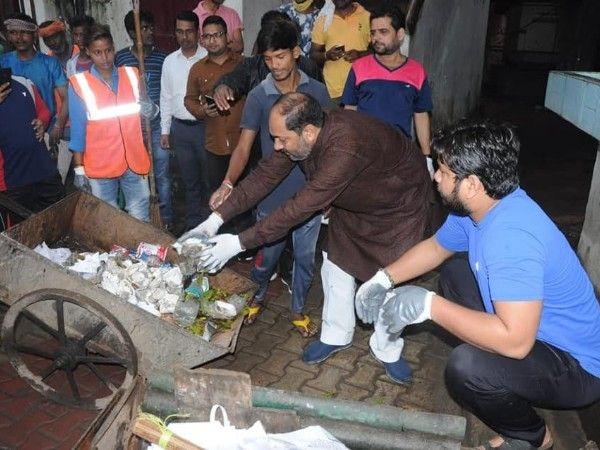 गाँधी जयंती के अवसर पर लखनऊ में विभिन्न स्थानों पर चलाया गया स्वच्छता अभियान-मंगलवार क
