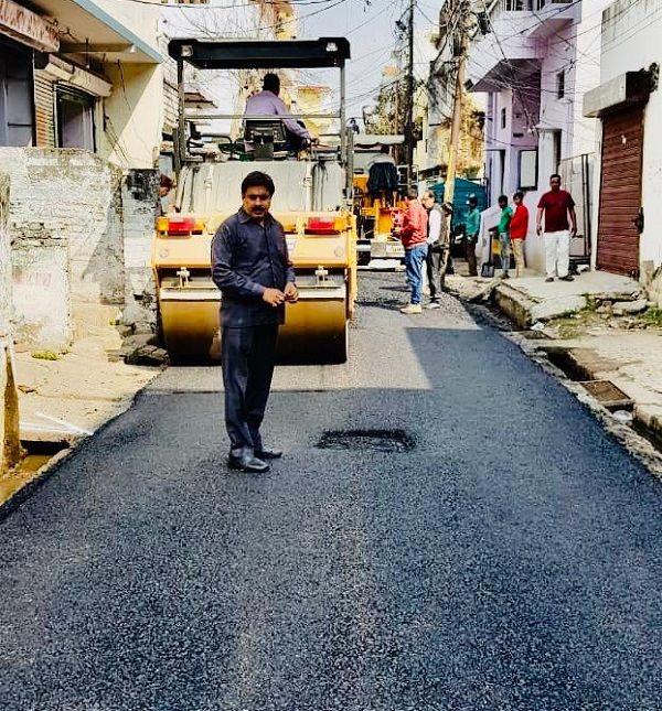 क्षेत्र के विभिन्न स्थानों में विकास कार्यों का शिलान्यास-स्थानीय निवासियों की प्रगति के उद्देश्य से