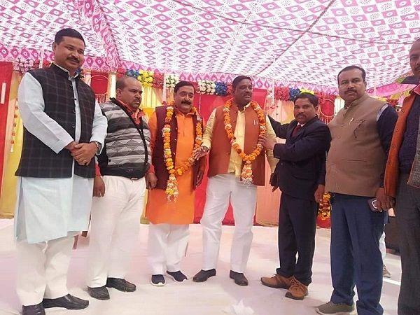 नाम : पल्टू राम  पद : विधायक (भाजपा) बलरामपुर विधानसभा (उ.प्र)  नवप्रवर्तक कोड : 71184654  श्