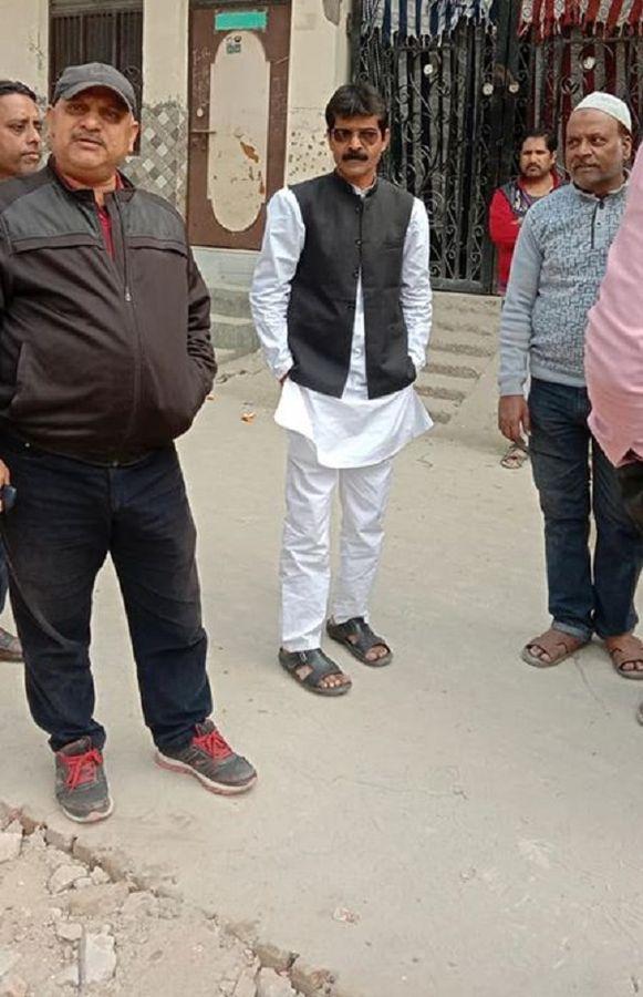 नाम : नफ़ीस अनवर पद : पार्षद प्रतिनिधि (कांग्रेस) गुरु तेग बहादुर, वार्ड-64, प