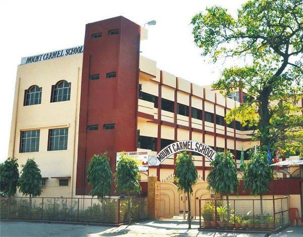 _वार्ड 52, गीता नगर वार्ड कानपुर का एक मिश्रित आबादी वाला क्षेत्र है, जहां लगभग सभी प्रकार के वर्ग स