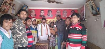 समाजवादी पार्टी के नेता मनमोहन गामा ने पीड़िता को दिलाया न्याय