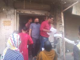कानपुर के गोविन्द नगर नॉर्थ, वार्ड - 93 में पार्षद ने जरूरतमंद लोगों को बांटे फॉर्म