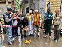 मोतीनगर चन्द्र भानु गुप्त नगर में जनता के विकास के लिए सड़क सुधार कार्य जारी