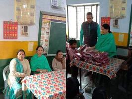 लखनऊ स्थित अहिबरनपुर, सीतापुर रोड में प्राथमिक विद्यालय के बच्चों को स्वेटर वितरित किए गए