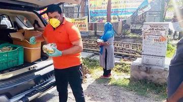 लखनऊ के अंतर्गत हिंद नगर वार्ड में जरुरतमंद लोगों को भोजन वितरित करने के साथ-साथ वार्ड को सेनेटाइज कराया
